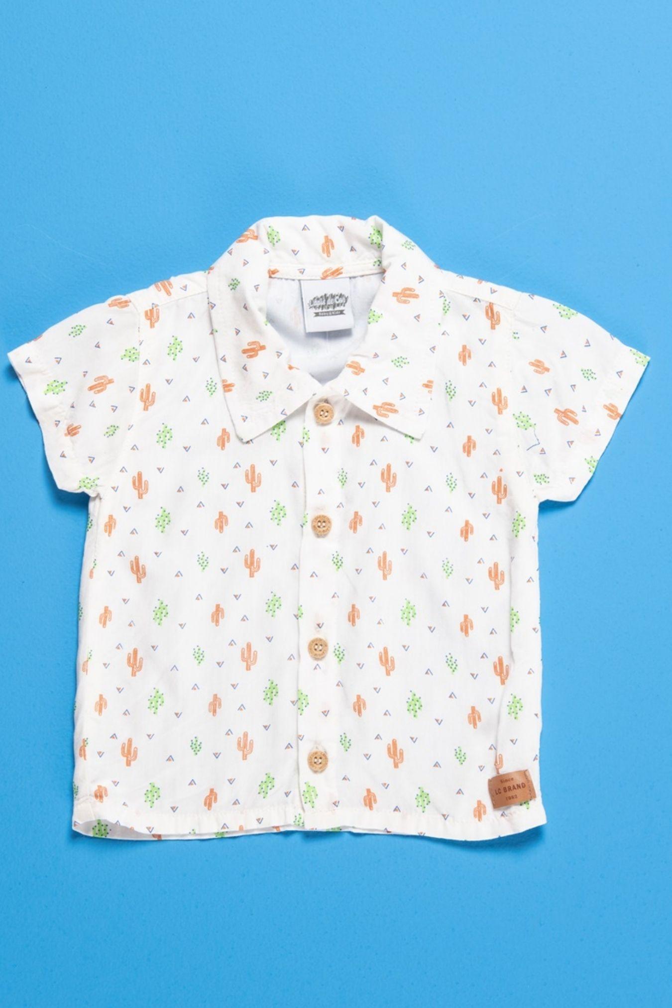 Camisa social bebê com estampa de cactos