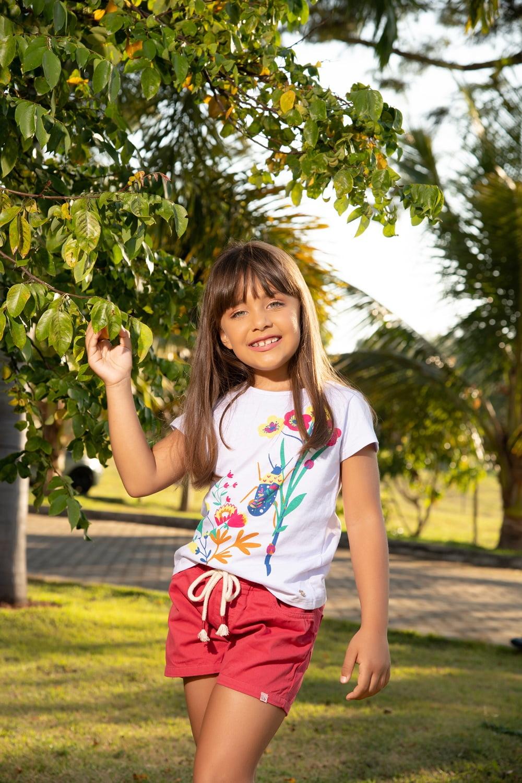 Blusa infantil com estampa flores