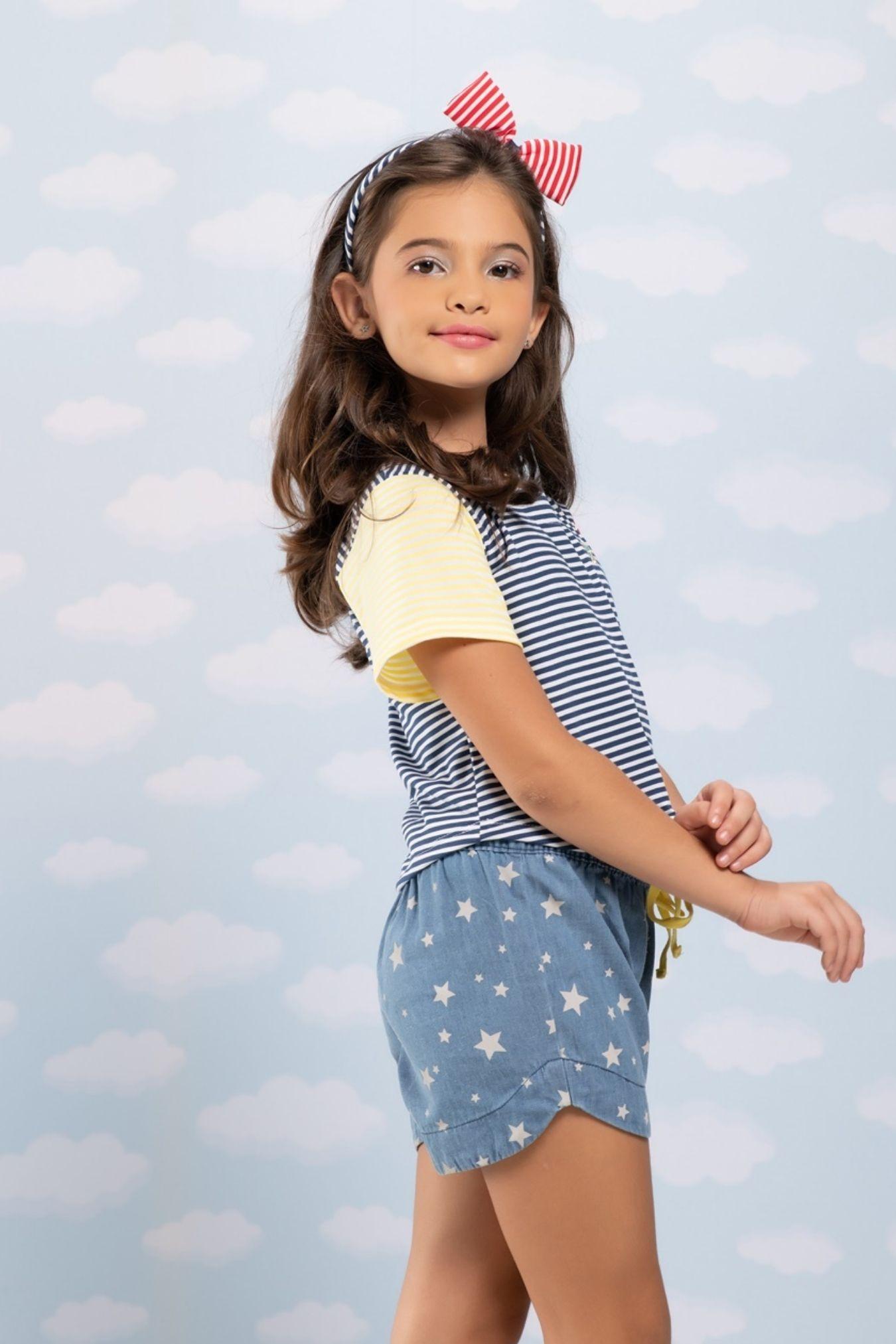 Short infantil jeans com estampa de estrela