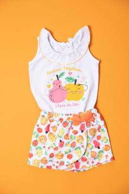 Body bebê com babado e estampa de frutas