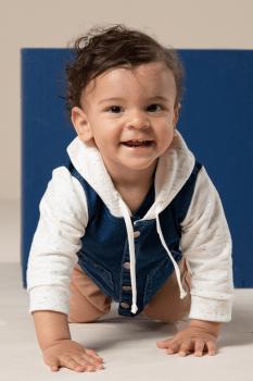 Jaqueta bebê jeans com capuz