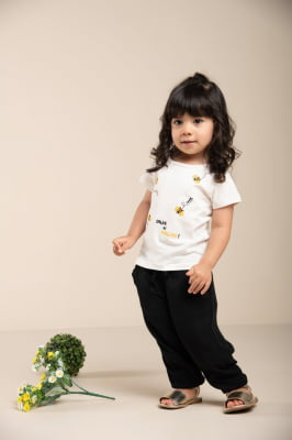 Blusa infantil manga curta abellhas