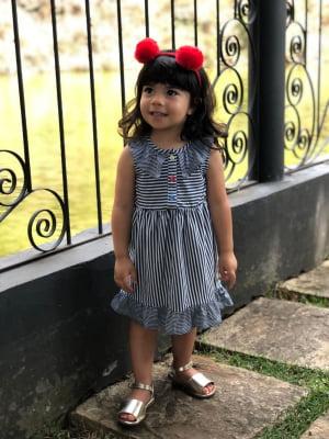 Vestido infantil com babados