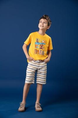 T-shirt infantil amarela com estampa