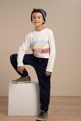"T-shirt infantil manga longa com estampa ""Hero"""