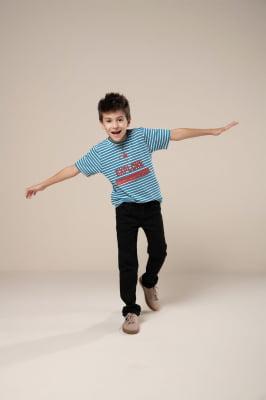T-shirt infantil listrada com estampa
